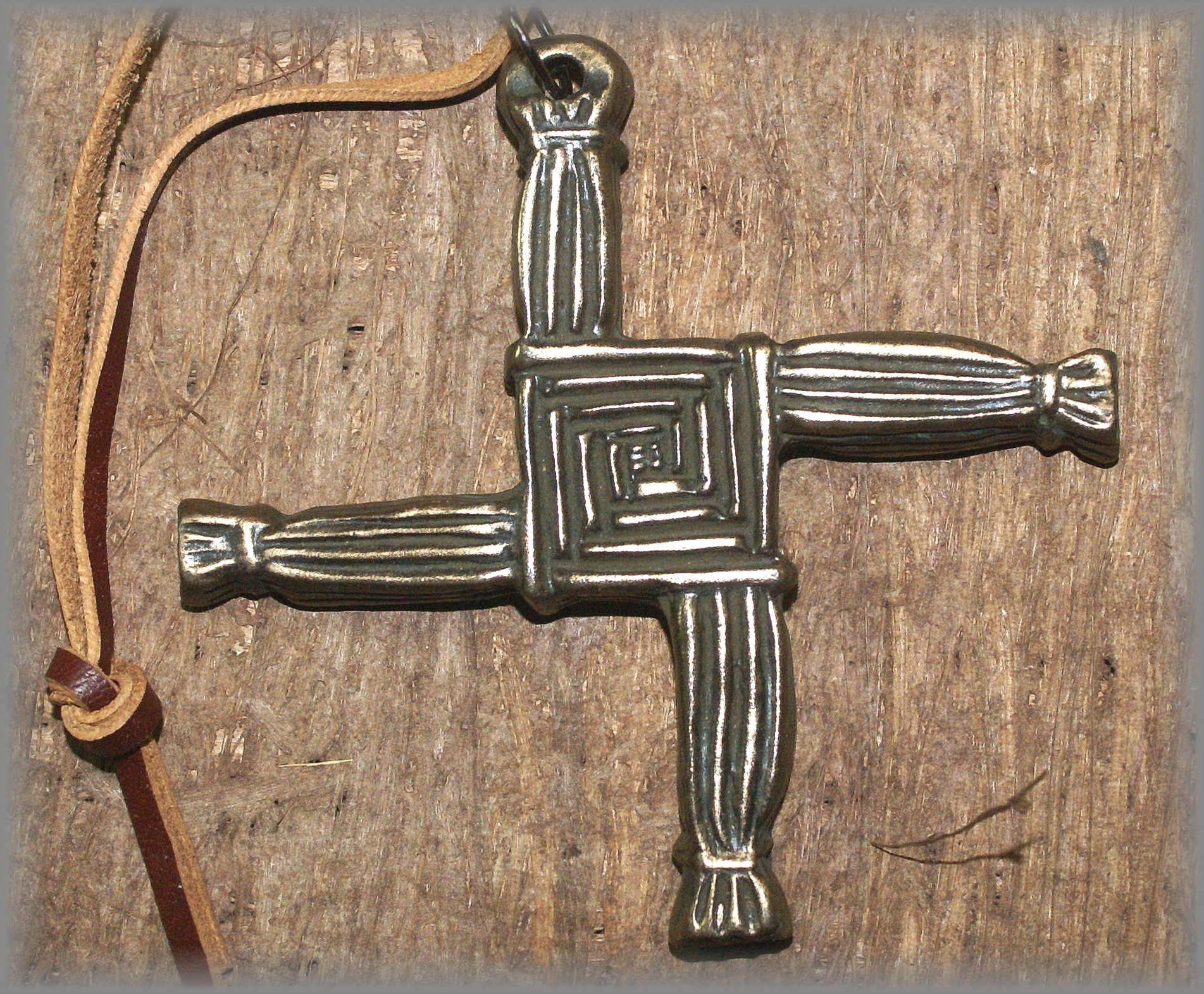 ST BRIGID CROSS - click icon for more information