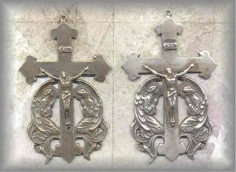 ECRX.315 - 2 ANGELS (crucifix) - vintage, Europe/unknown - (3 in.)